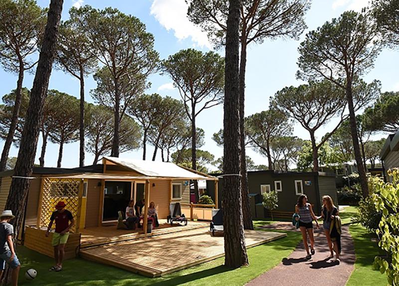 Camping La Bastiane-quartier premium