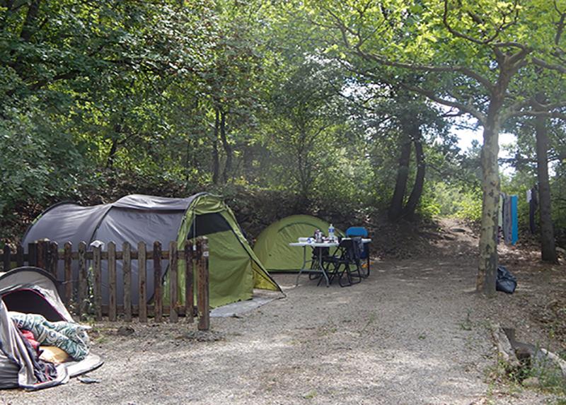 Camping-Le-Chene-Tallard-Camping-Montagne-Tente famille 1