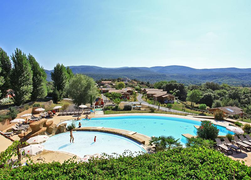 Domaine de Sevenier -Vue-piscine