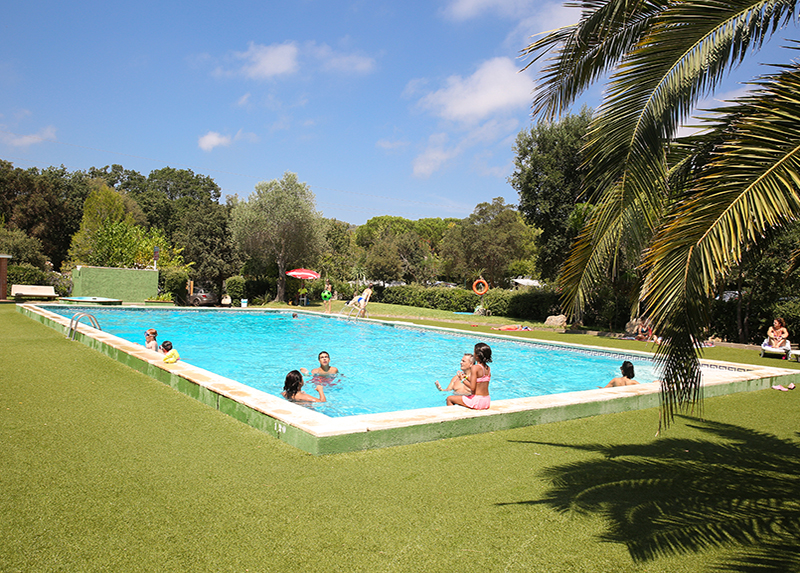 3 Estrellas Costa Brava-zwembad